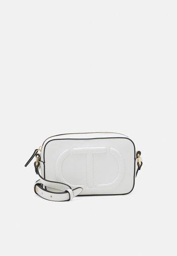 TRACOLLA - Across body bag - bianco ottico