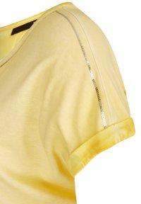 TR - Basic T-shirt - gelb meliert - 2