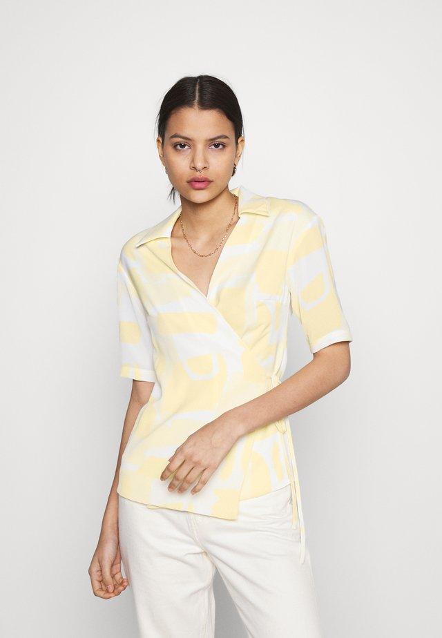 STUDIO WRAP OVER KIMONO WITH TIE DETAIL - Blouse - soft yellow