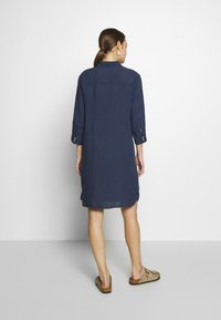 Marc O'Polo - DRESS TUNIQUE COLLAR WELT POCKETS SIDE SLITS - Shirt dress - dark blue - 2