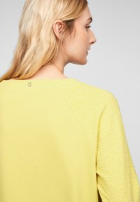 s.Oliver - Long sleeved top - light yellow - 4