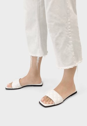 FLAT QUILTED 11802661 - Slippers - white