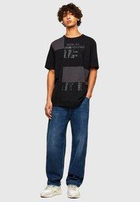 Diesel - ATCHWORK - Print T-shirt - black - 1