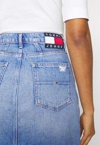 Tommy Jeans - MOM SKIRT - Mini skirt - denim light - 5