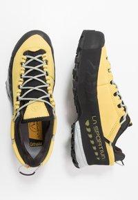La Sportiva - TX5 LOW WOMAN GTX - Hiking shoes - celery/cloud - 1