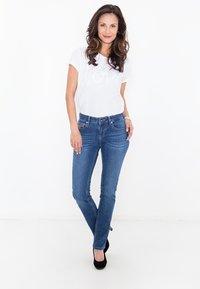 Amor, Trust & Truth - MIT ZIERS - Slim fit jeans - mittelblau - 1