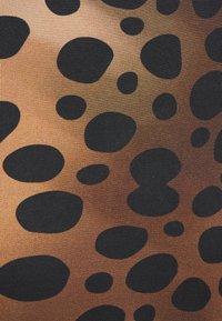 Just Cavalli - Žerzejové šaty - natural variant - 6