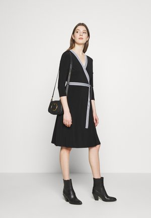 MID WEIGHT DRESS - Žerzejové šaty - black