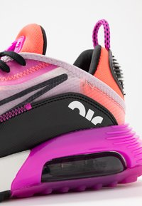 Nike Sportswear - AIR MAX 2090 - Sneakers basse - iced lilac/black/fire pink/flash crimson/summit white/anthracite - 2