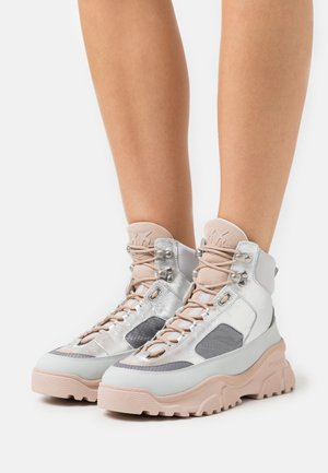 LOVE TREK - High-top trainers - grigio/argento
