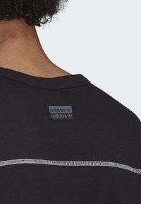 adidas Originals - CREW SWEATSHIRT - Sweatshirt - black - 6