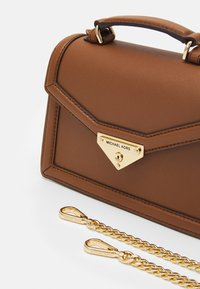 MICHAEL Michael Kors - GRACE XBODY - Handbag - brown - 5