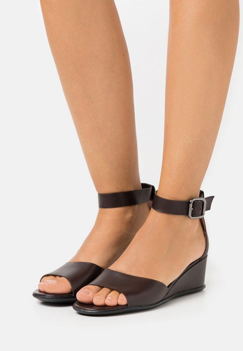 ECCO - SHAPE - Wedge sandals - coffe nova