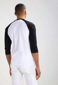Urban Classics - Long sleeved top - white/black - 2