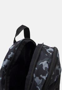 Nike Sportswear - UNISEX - Batoh - black/white - 2