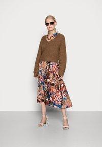 Emily van den Bergh - DRESS - Shirt dress - brown/blue/orange - 1