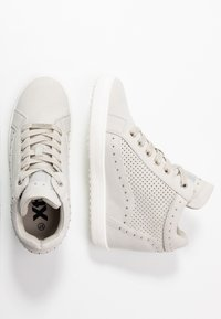 XTI - High-top trainers - hielo - 3