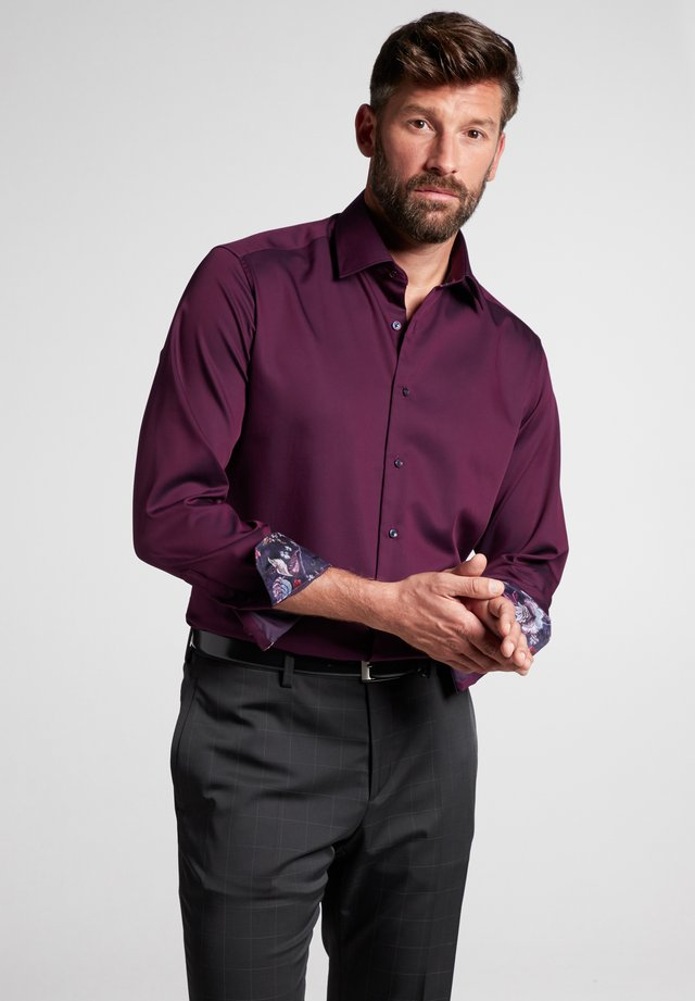 MODDERN FIT - Formal shirt - aubergine