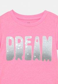 GAP - GIRL TEE - T-shirts print - neon impulsive pink - 2