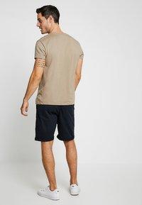 INDICODE JEANS - CONER - Shorts - navy - 2
