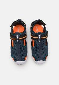 Geox - WADER - Chodecké sandály - navy/orangefluo - 3