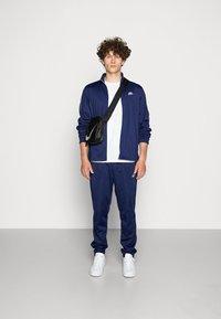 Nike Sportswear - SUIT BASIC - Træningssæt - midnight navy/white - 1