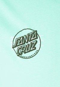 Santa Cruz - CRIME HAND UNISEX  - Print T-shirt - jade green - 2