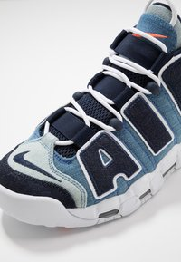 Nike Sportswear - AIR MORE UPTEMPO '96 QS - Baskets montantes - white/obsidian/total orange - 8