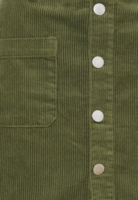 JDY - JDYSHIRAZ LIFE SHORT SKIRT - Mini skirt - kalamata - 2