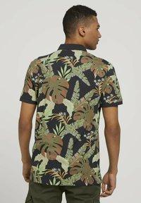 TOM TAILOR DENIM - Polo shirt - tropical monstera leaf print - 2
