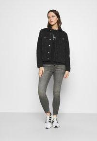 Calvin Klein Jeans - REGULAR - Cowboyjakker - denim black - 1