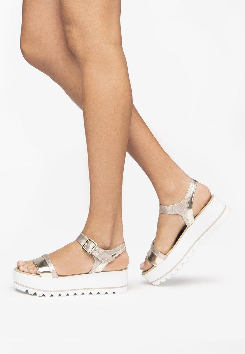 NeroGiardini - Sandals - nut