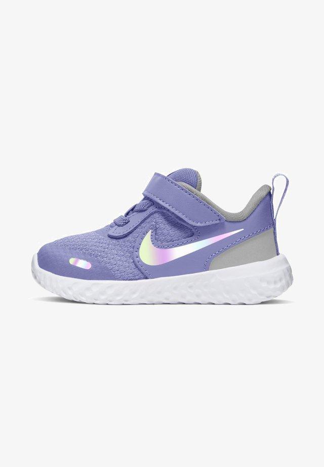 REVOLUTION 5 TDV - Neutral running shoes - light thistle photon dust white