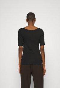 GAP - MOD BALLET - Basic T-shirt - true black - 2