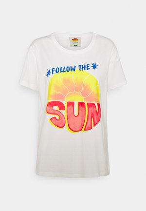 FOLLOW THE SUN  - Camiseta estampada - off white