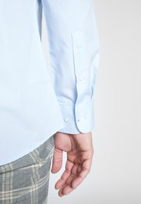 Only & Sons - ONSSANE SOLID POPLIN - Shirt - cashmere blue - 5