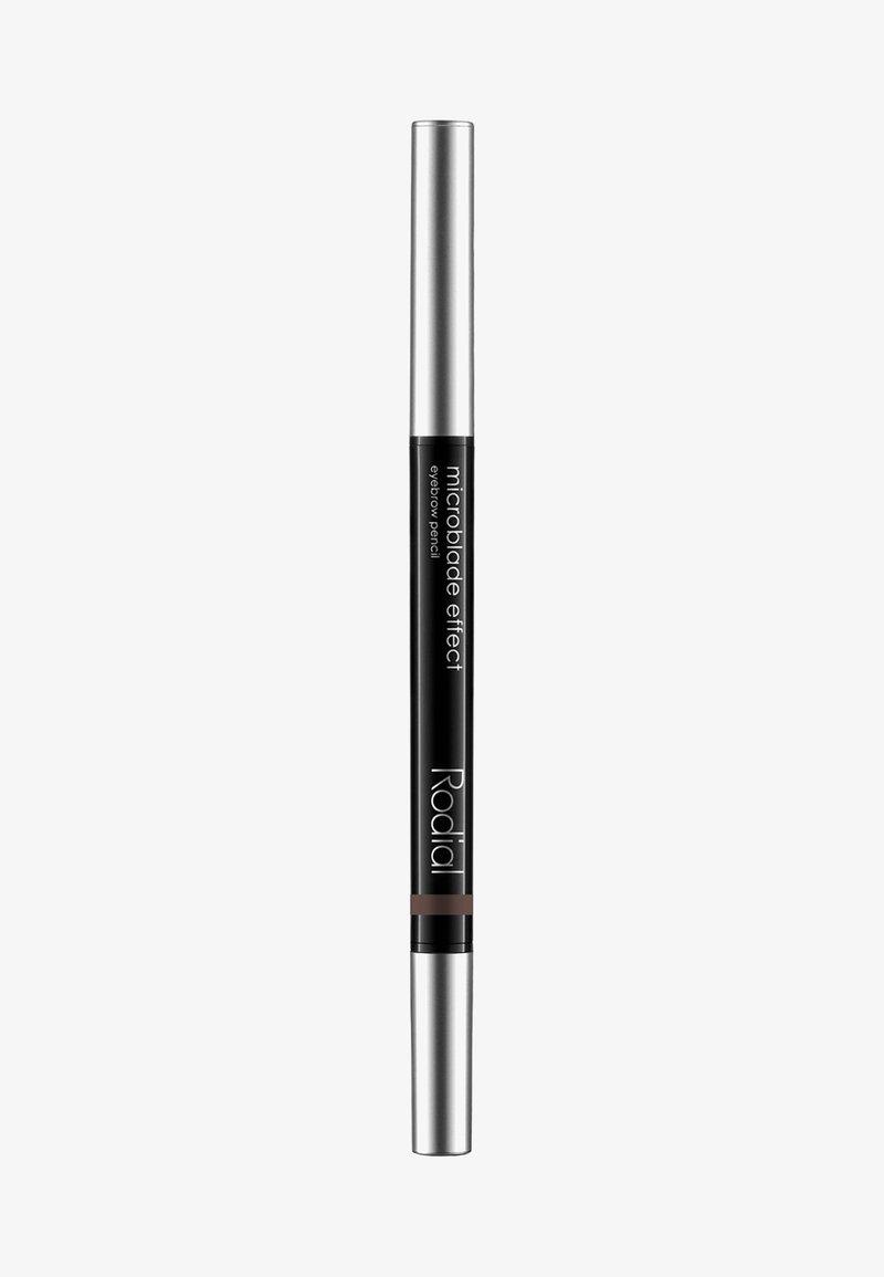 Rodial - MICROBLADE EFFECT EYEBROW PENCIL 0,5G - Eyebrow pencil - dark ash brown