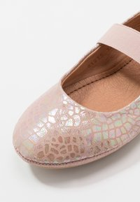 Bisgaard - QUINN - Ankle strap ballet pumps - shell - 2