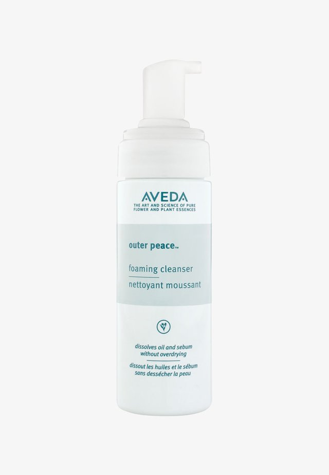 OUTER PEACE™ FOAMING CLEANSER  - Nettoyant visage - -