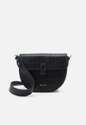 CLARA MARIE - Across body bag - black