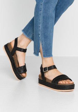 PERLA - Sandály na platformě - black