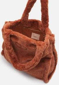 TWINSET - SOFT BAG - Handbag - tan powder - 2