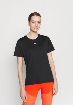 NECESSI TEE - T-shirt con stampa - black/white