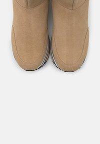 Liu Jo Jeans - MAXI  - Enkellaarsjes met plateauzool - seppia - 5
