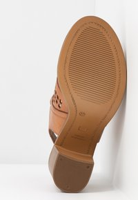 Carmela - High heeled sandals - camel - 6