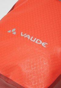 Vaude - AQUA BACK - Miscellaneous golf - lava - 7