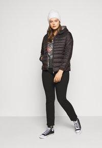 ONLY Carmakoma - CARTAHOE HOOD JACKET  - Light jacket - black - 1