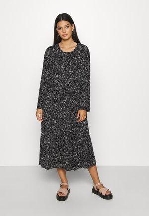 NMKATJA LOOSE DRESS - Day dress - black/white