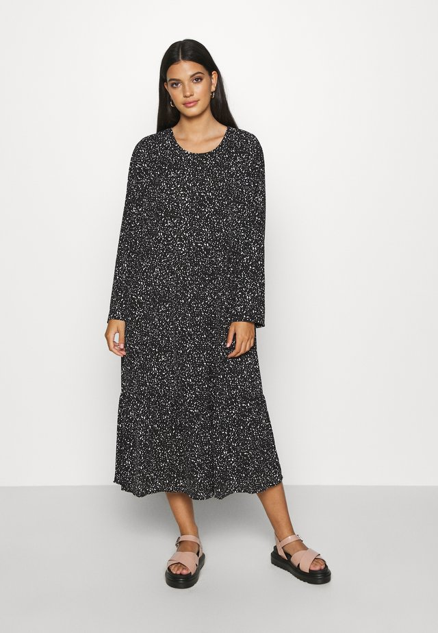 NMKATJA LOOSE DRESS - Day dress - black/white