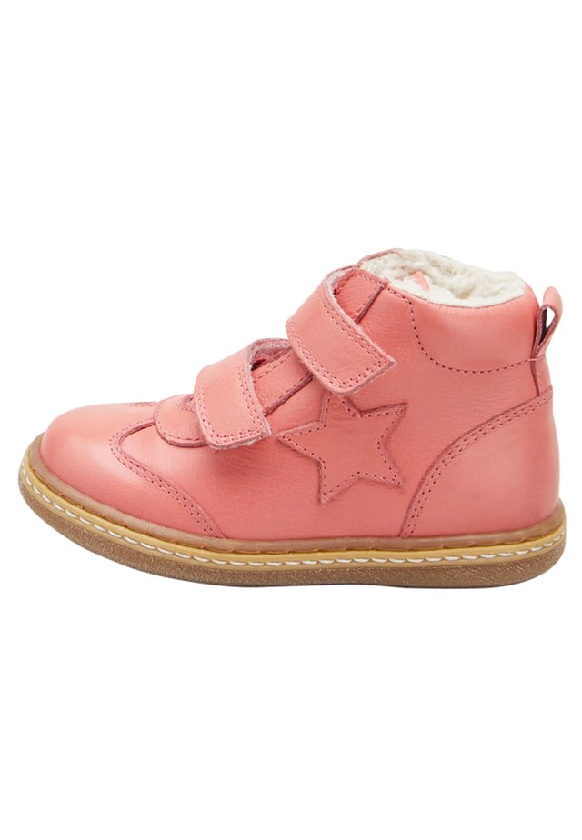 PEWTER TOUCH FASTENING STAR BOOTS (YOUNGER) - Lær-at-gå-sko - pink